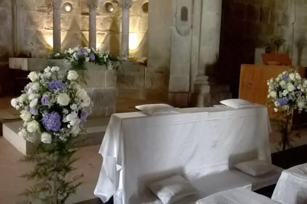 addobbi-floreali-chiesa-matrimoni-toscana